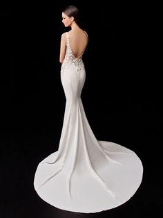 Patty - 2021 Enzoani | Enzoani Elegant Wedding Dress, Wedding Gowns, Bridal Reflections, Diy Fashion Hacks, Bridal Dress Design, Dream Dress, Dress Collection, Bridal Dresses, Marie