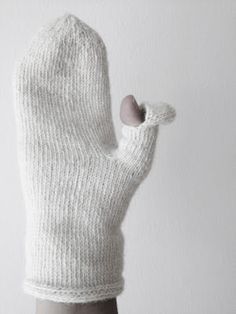 Texting thumb knitted mittens