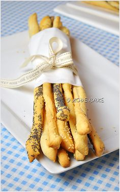 Grissini ( paluszki chlebowe ) - przepis - I Love Bake Gluten Free Recipes, Vegetarian Recipes, Cooking Recipes, Polish Recipes, Cheese Ball, Dough Recipe, Dinner Rolls, Good Food, Food And Drink