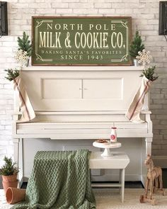 Have you seen Whitney and Allen's Jack Frost Collection Winter I'm in love with all her gorgeous signs! Holiday Signs, Christmas Signs, Christmas Love, Country Christmas, Christmas Projects, Winter Christmas, All Things Christmas, Christmas Decorations, Christmas Ideas