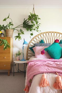 A Designer's Australian Home Is an Explosion of Pink, Plants, and Quirky Decor: gallery image 17 quirky home decor A Designer's Australian Home Is an Explosion of Pink, Plants, and Quirky Decor Quirky Home Decor, Hippie Home Decor, Diy Home Decor, Decor Crafts, Quirky Bedroom, Bedroom Decor, Gothic Bedroom, Diy Casa, Decoration Originale