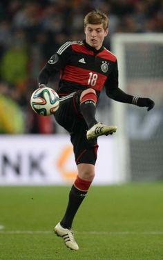 Toni Kroos Height