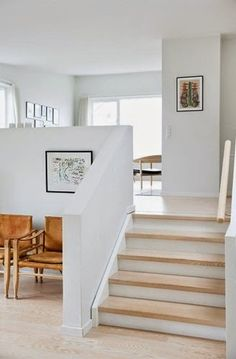 ideas for kitchen remodel split level home stairs ideas for kitchen remodel split level home ideas for kitchen remodel split level home stairs ELLE ESTe BELLE - LOCARI(ロカリ) 52 Elegant Modern Staircase Design Home Renovation, Home Remodeling, Split Level Kitchen, Farmhouse Style Dining Table, Sunken Living Room, Living Area, Living Rooms, Staircase Design, Modern Staircase