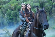 Ivana Baquero and Austin Butler in The Shannara Chronicles Shannara Chronicles Season 2, The Shanara Chronicles, Fantasy Tv Shows, Fantasy Series, Terry Brooks Books, Game Of Thrones Names, Game Thrones, Ivana Baquero, Beaux Couples