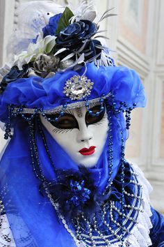 Venice Carnival - - Another Venice Carnival Costumes, Venetian Carnival Masks, Carnival Of Venice, Costume Venitien, Venice Mask, Masquerade Ball, Venetian Masquerade, Beautiful Mask, Masks Art