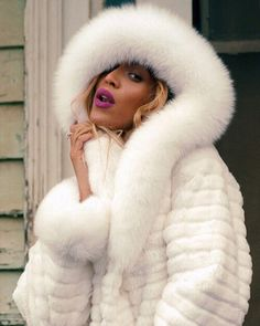 fur fashion directory is a online fur fashion magazine with links and resources related to furs and fashion. furfashionguide is the largest fur fashion directory online, with links to fur fashion shop stores, fur coat market and fur jacket sale. Fur Fashion, Fashion Photo, Fashion Dresses, White Fur, Black And White, Fur Clothing, Glamour, Beyonce Knowles, Fur Collars