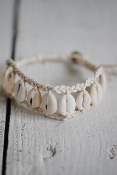 Biskopsgården - LOVE WARRIORS - NORI SHELL BRACELET