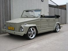a picture called lowered vw thing type 181 1003 should be here...