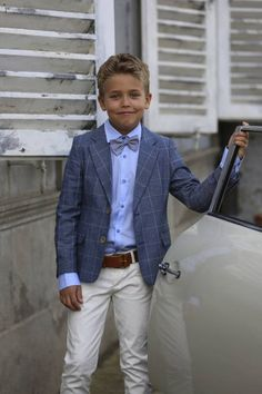 RED LIMIT SS 2017 Best Picture For wedding kids outfit For Your Taste You are looking for something, and it … Wedding Outfit For Boys, Wedding Page Boys, Summer Wedding Outfits, Wedding With Kids, Casual Wedding, Boys Dressy Outfits, Outfits Niños, Kids Outfits, Boys Vest Outfit