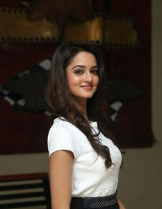 Shanvi HD Photos www.celebrityhdshots.blogspot.in