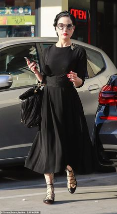 Ageless beauty: The burlesque dancer was spotted while out shopping, clad in a inspired gown with a knee-grazing hemline Dita Von Teese Style, Dita Von Tease, Modest Fashion, Fashion Outfits, Retro Fashion, Vintage Fashion, Old Hollywood Style, Ageless Beauty, Estilo Retro