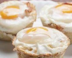Muffin oeuf, bacon et cheddar pour petit déjeuner spécial régime chrono-nutrition : http://www.fourchette-et-bikini.fr/recettes/recettes-minceur/muffin-oeuf-bacon-et-cheddar-pour-petit-dejeuner-special-regime-chrono