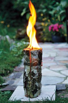 Kaminholz ist die Hauptzutat für Baumfackeln, die als Schwedenfeuer bekannt sind. Wir zeigen detailiert, wie Sie ein Schwedenfeuer selbst bauen