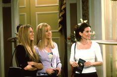 Rachel Green (Jennifer Aniston), Phoebe (Lisa Kudrow), Monica Geller (Courteney Cox) ~ Friends ~ Episode Stills ~ Season 6, Episode 22: The One Where Paul's the Man Tv: Friends, Friends Season 6, Friends Episodes, Friends Cast, Friends Moments, Rachel Green, Gossip Girl, Courteney Cox Friends, Rachel Hair