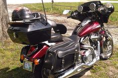 Have you ever heard of the motorcycle trunks? Well, for storage issues, they're your best bet. The best part, they're a temporary storage solution. Motorcycle Helmet Lock, Motorcycle Tank, Motorcycle Travel, Best Trailers, Luggage Case, Open Face Helmets, Chopper Bike, Top Gear