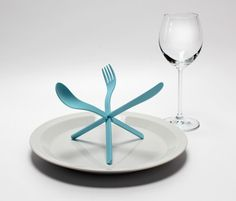 cutlery as an artistic place setting
