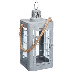 Stoere lantaarn van zink. Afmeting: 17x17x36 cm (bxlxh). #KwantumLente #tuin #tuinverlichting #lantaarn