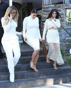 Kim Kardashian Photos Photos - Reality stars Kim, Kourtney and Khloe Kardashian are all dressed in white while out for dinner at Casa Escobar in Westlake Village, California on July 7, 2015. - The Kardashian Sisters are Spotted out for Dinner