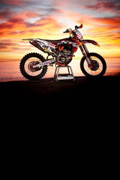 I love motocross... That bike is sick I'm thinking that KTM is either a YZ 250 Or a YZ 450