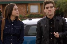 """The Fosters: Aaron and Callie Will """"Get Closer"""" After a Trip to Visit His Parents"""