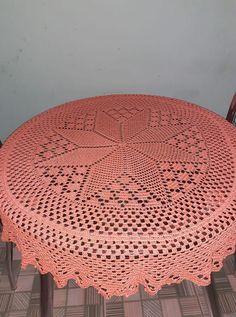 Crochet Doily Patterns, Crochet Designs, Crochet Doilies, Crochet Curtains, Crochet Tablecloth, Mantel Redondo A Crochet, Crochet Carpet, Just Peachy, Filet Crochet