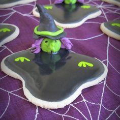 Wicked Witch of the West Cookies... For that day that I have all day to do one cookie!