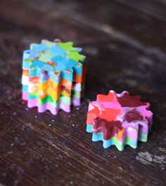 4 Ways to Recycle Crayon Bits · Kix Cereal Fun Arts And Crafts, Fun Crafts For Kids, Diy For Kids, Kid Crafts, 4 Kids, Children, Creative Activities For Kids, Diy Projects For Kids, Learning Activities