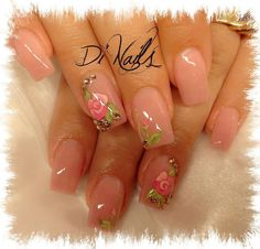 lovely nail art trends for ladies Pretty Toe Nails, Pretty Nail Art, Fancy Nails, Trendy Nails, Cute Nails, Dip Gel Nails, Nail Manicure, Diy Nails, Manicures