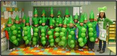 Vegetable Costumes, St Maria, Homemade Halloween Costumes, Chores For Kids, Montessori Toddler, Preschool Crafts, Classroom Decor, Art For Kids, Art Projects