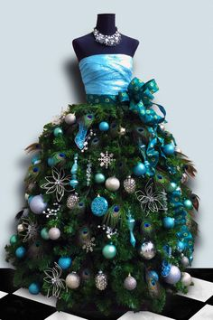 Dress Form Christmas tree made with Chicken Wire and #DecoMesh.