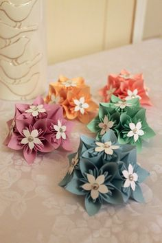 Origami for Everyone – From Beginner to Advanced – DIY Fan Paper Origami Flowers, Paper Flower Wreaths, Origami And Quilling, Origami Paper Art, Tissue Paper Flowers, Flower Crafts, Paper Crafts, Paper Flower Centerpieces, Paper Christmas Decorations