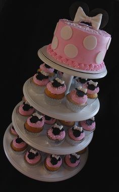 Minnie Mouse cupcake tower!