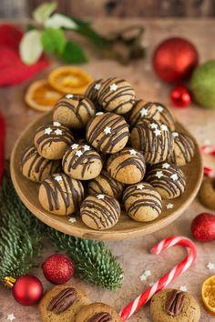 Imádunk sütni - Szilvalekváros puszedli Almond, Muffin, Food, Muffins, Meal, Essen, Almond Joy, Hoods, Almonds