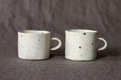 村上直子 shiro moegiチョコマグ 作家の器|さわらぎ Mugs, Tableware, Dinnerware, Tablewares, Mug, Place Settings
