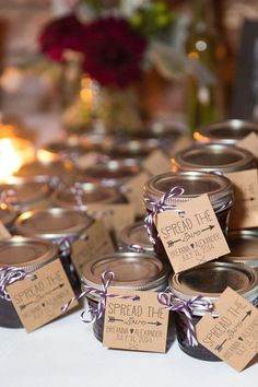 Creative and unique diy wedding favors4 Wedding Favors And Gifts, Wedding Favours Canada, Wedding Favour Jars, Homemade Wedding Favors, Creative Wedding Favors, Inexpensive Wedding Favors, Elegant Wedding Favors, Edible Wedding Favors, Wedding Shower Favors