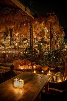 Home Decoration Design Ideas Outdoor Restaurant Design, Deco Restaurant, Hawaiian Restaurant, Coffee Shop Design, Cafe Design, Night Bar, Beach Cafe, Café Bar, Restaurant Interior Design