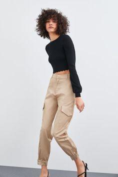 ZARA - Female - Satin cargo pants - Champagne - S Satin Trousers, Cropped Trousers, Trousers Women, Pants For Women, Flowy Pants, Pleated Pants, Cycling Trousers, Skinny Chinos, Polka Dot Pants