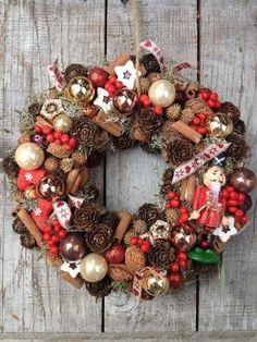 vianoce, vianocne dekoracie, vianocna vyzdoba, advent, vianocny stromcek, christmas, adventny svietnik, adventny veniec, vianocny veniec na dvere Christmas 2016, Christmas Wreaths, Christmas Decorations, Xmas, Holiday Decor, How To Make Wreaths, Winter Time, Making Ideas, Fall Decor