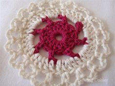 Beyond the Square ♥ #Crochet Motif 2 - Sewing Daisies