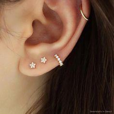 Boucles d'oreilles Geode brutes, boucles d'oreilles bon marché, bijoux d'anniversaire pour elle, tendances, Girlfrie ... #bijoux #bon #boucles #brutes #d39anniversaire #d39oreilles #Elle Tiny Stud Earrings, Cartilage Earrings, Cute Earrings, Crystal Earrings, Gold Earrings, Gold Bracelets, Cartilage Piercings, Body Piercings, Opal Necklace