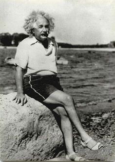 Mr. Einstein wearing, errr, women's sandals ? What ? Wow ! A man definitely ahead of his time. (No pun intended)