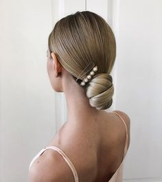 Women hairstyle collection – Hair Styles for Best Look Bride Hairstyles, Pretty Hairstyles, Thin Hairstyles, Hairstyles 2018, Hairstyles Videos, School Hairstyles, Langer Bob, Bridal Hair Updo, Gorgeous Hair