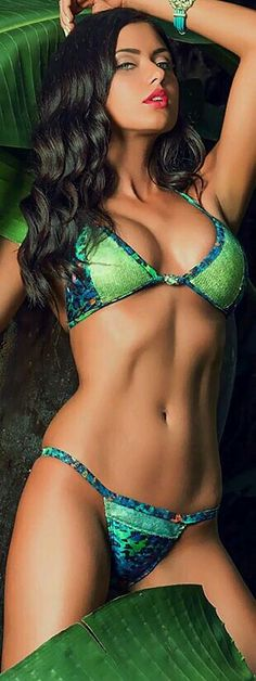 OMG!!! Amazing Bikini.  Perfect   Body