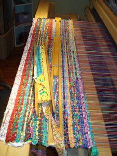 Beautiful woven rag rugs @ Crazy as a Loom www.crazyasaloom.blogspot.com