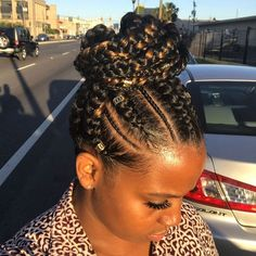Box-Braided Bun - Braids with Beads: Hairstyles for a Beautiful and Authentic Look - The Trending Hairstyle Braided Bun Hairstyles, African Braids Hairstyles, Braided Ponytail, Braid Hair, Protective Hairstyles, Protective Styles, Beautiful Braids, Gorgeous Hair, Quick Braids