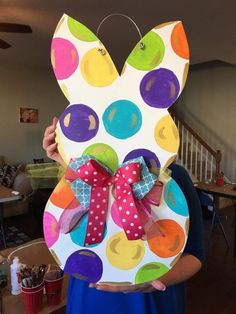 12 Handmade Bags You'll Fall in Love With Easter Crafts, Easter Gift, Easter Decor, Spring Door, Easter Activities, Crafts To Make And Sell, Handmade Bags, Door Hangers, Decoration