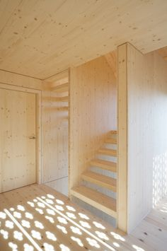 Treppenhaus - My future cabin - Timber Stair, Timber House, Building Design, Building A House, Bohemian Wall Decor, Wood Interiors, Minimalist Interior, Apartment Interior, Architecture