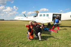 All aboard! #skydiving