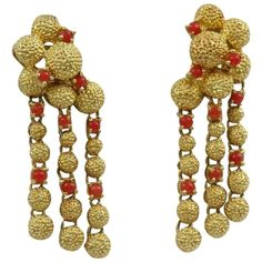 Pre-owned 1960s Cartier Cabochon Coral Gold Chandelier Earrings ($7,800) ❤ liked on Polyvore featuring jewelry, earrings, accessories, yellow gold, coral chandelier earrings, long earrings, yellow gold earrings, 18 karat gold jewelry and 18k earrings