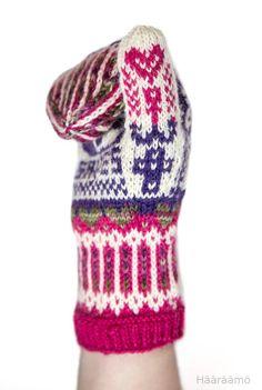Lumi Karmitsa: Tsiisus-lapaset. Crochet Blogs, Knit Crochet, Mittens, Knitting, Crocheting, Accessories, Inspiration, Crochet Hooks, Biblical Inspiration